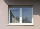 prozor s roletom